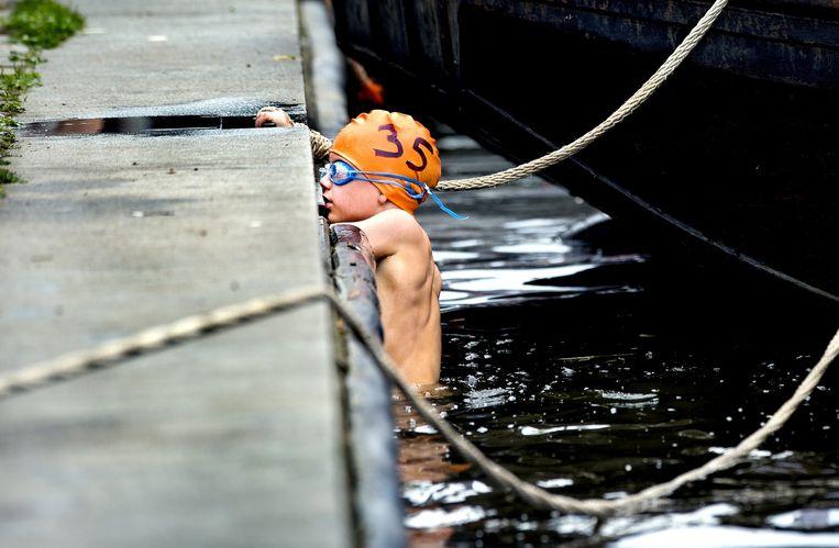 Zwemmen Open Water, Singeltocht, Minioren 1, 250 meter vrije slag jongen. Beeld Klaas Jan van der Weij