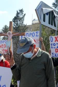 Demonstranten woedend over 'satanisch' songfestivallied Cyprus: 'Belediging voor ons land'
