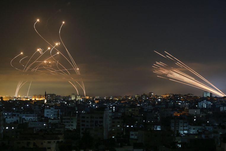 Volgens Israël werden nu al meer dan 1.750 raketten afgevuurd vanuit de Gazastrook. Beeld AFP
