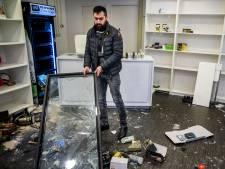 Emrah zag thuis hoe zijn winkel werd geplunderd: 'Ik heb de hele nacht zitten huilen'