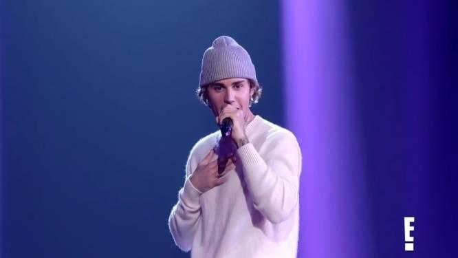 Oeps: Justin Bieber is tekst kwijt tijdens eerste concert in jaren