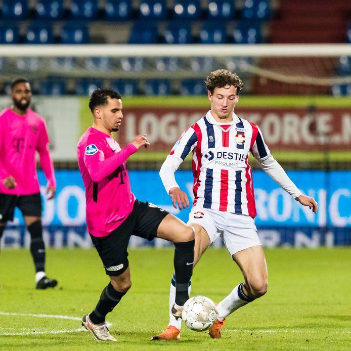 Wesley Spieringhs in actie tegen FC Utrecht.