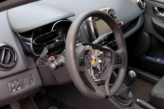 Airbag gestolen uit auto in Waalwijk