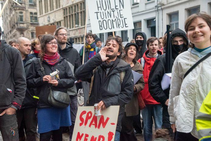 Protest tegen de uitzetting van de Pandemisten in 't Pand in Gent.
