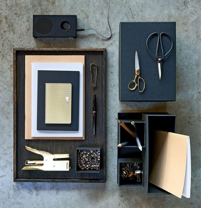 De vijand van een chaotisch bureau: deze desk organizer