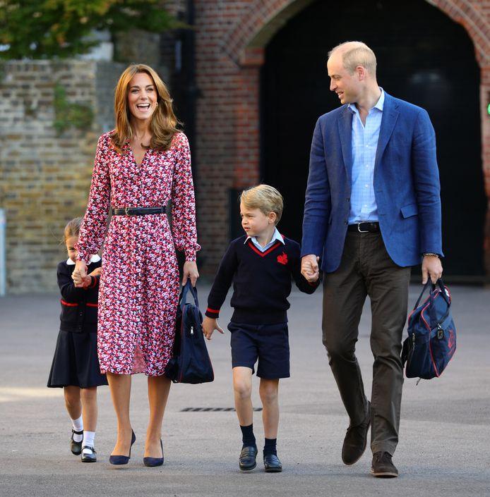 Prins George hoeft niet naar een internaat.