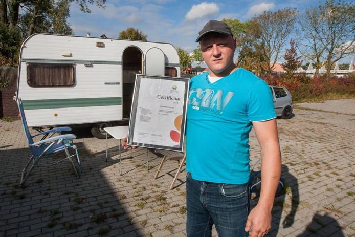 HeinHoeré kraakte een afgesloten woonwagenstandplaats aan de Diezestraat. ,,Ze willen onze cultuur kapotmaken.''