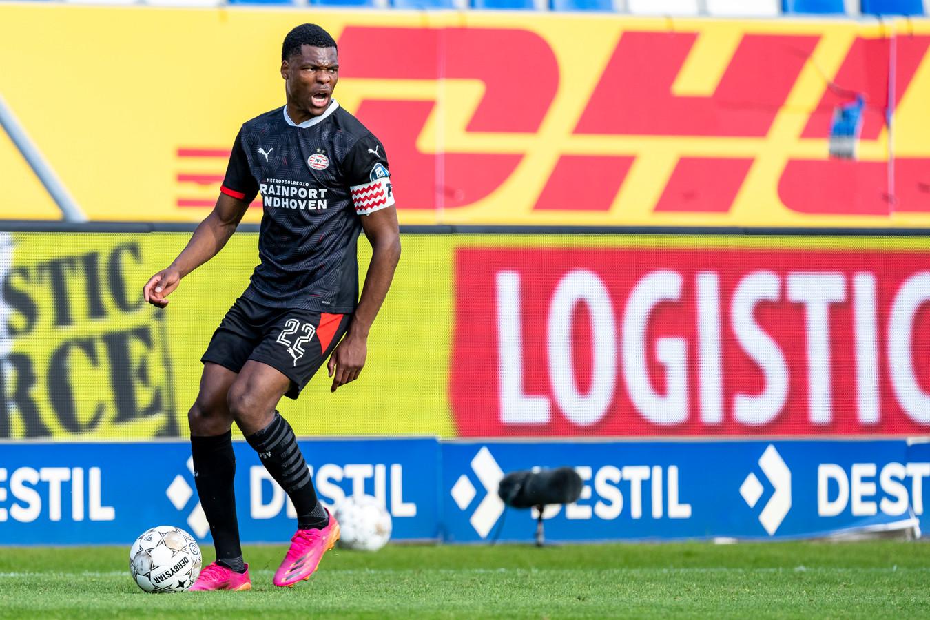 Denzel Dumfries in het shirt van PSV.