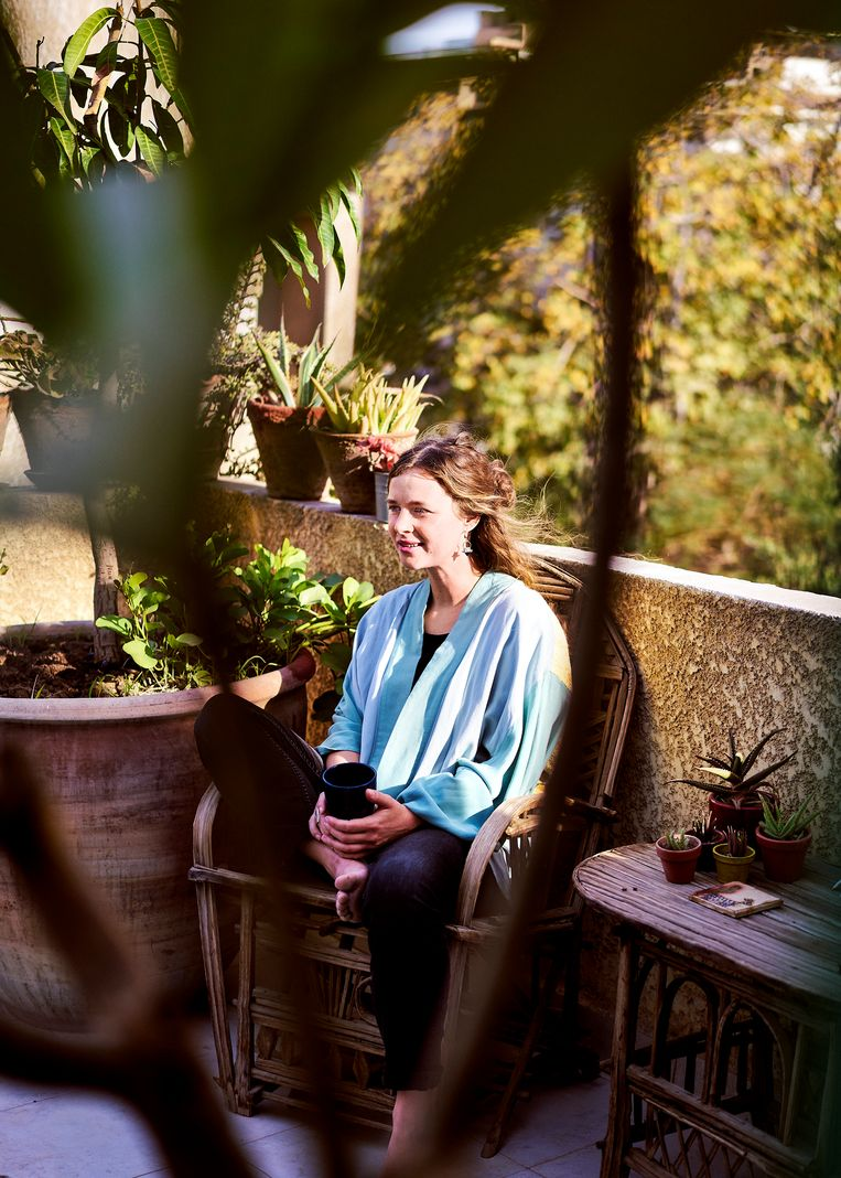 Ruth leeft nu in een zonnig appartement mét terras in de groene wijk Maadi.