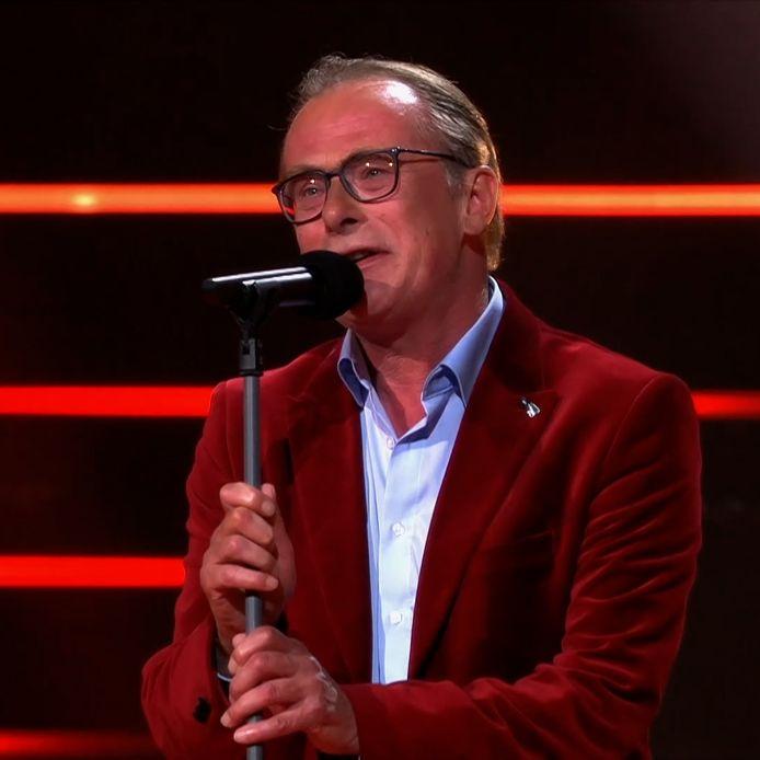 Erik Hagelstein is door naar de finaleronde van The Voice Senior 2021.
