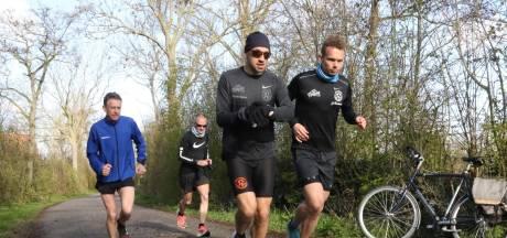 Vier Zeeuwse mannen volgen het onder-3-uur-spoor van Leonie Ton in marathon Veere