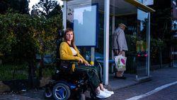 """Vrouw klaagt reservatieplicht voor mensen met beperking aan: """"Gesmeekt tot ik op bus mocht"""""""