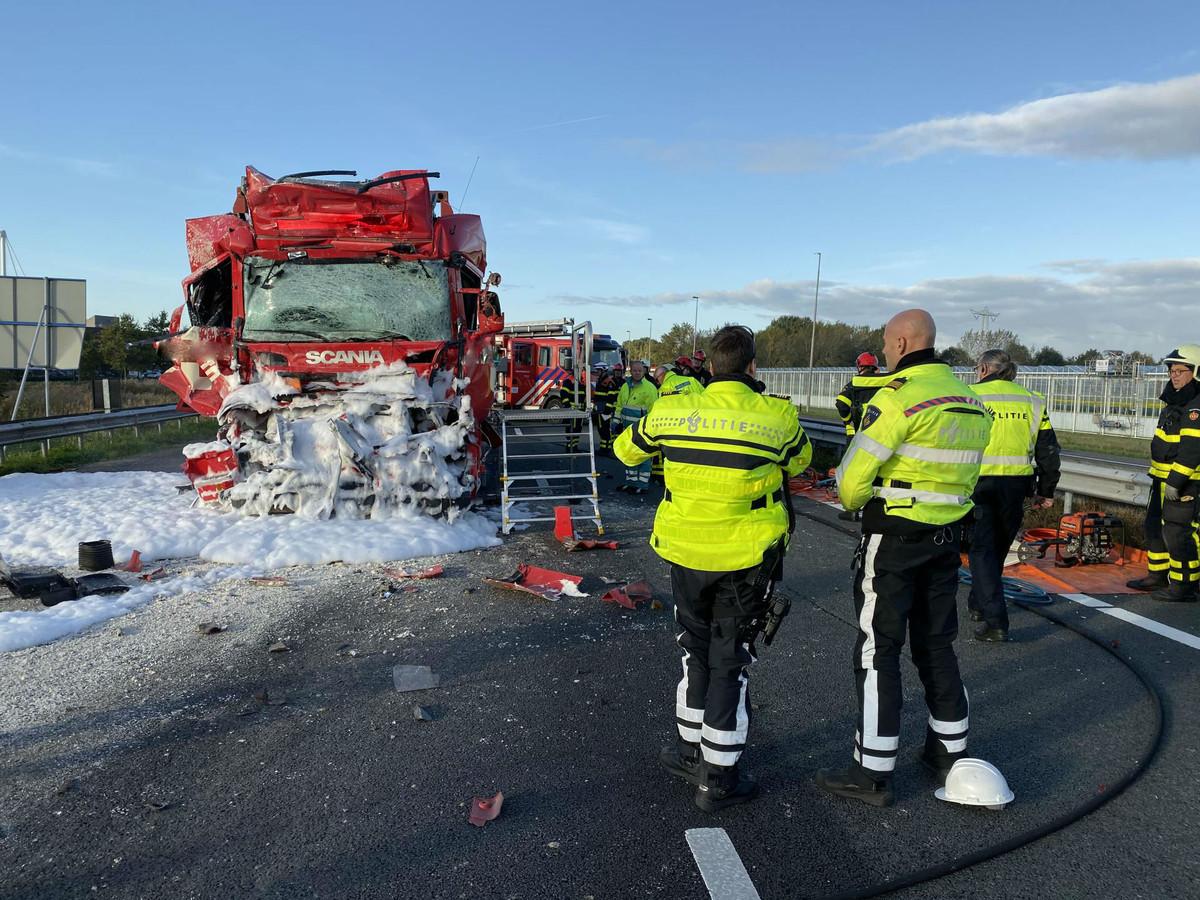 Ongeval A59, weg tijdelijk dicht.