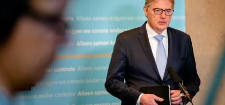 Minister Van Rijn vertrekt, maar wel pas op 9 juli