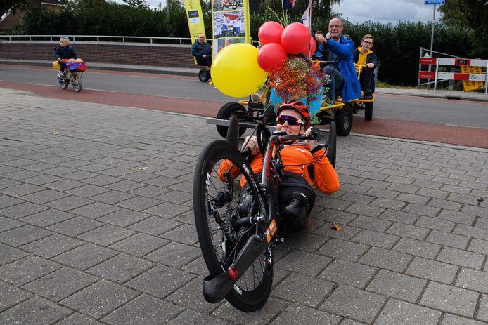 Een ereronde door haar dorp Westerhaar. Dat heeft paralympisch kampioen Jennette Jansen wel verdiend.