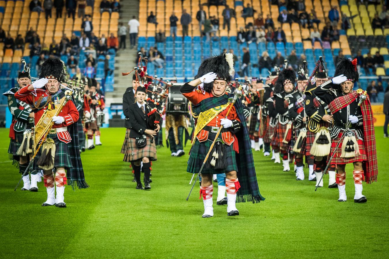 Het optreden van The Pipes & Drums of The Royal British Legion tijdens de Airborne-wedstrijd in 2018. Komende zaterdag komt dit muziekgezelschap met een kleine delegatie naar GelreDome.