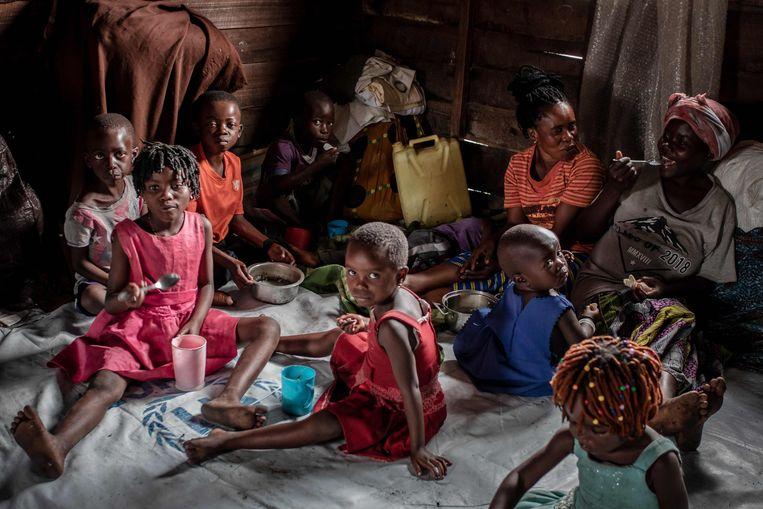 Burgers ontvluchten Goma en landen in Sake (foto), Minova of Bukavu. Beeld AFP