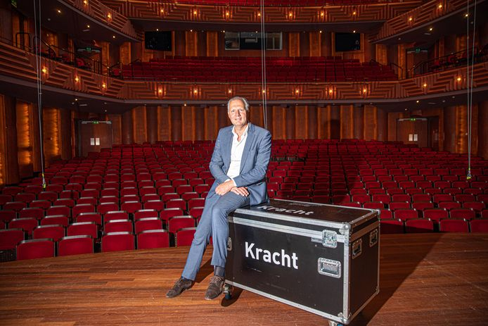 Rob Zuidema van Zwolse Theaters vertelt over de keuze om in een crisistijd voor de cultuursector, shirtsponsor van PEC Zwolle te worden.
