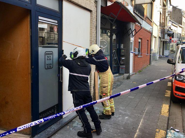 De politie stelde een perimeter in en startte een onderzoek op.