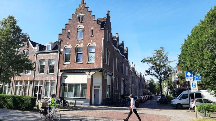 Kamerverhuur in het voormalige bordeel Queenie geeft volgens bewoners van de Koninginnestraat in Dordrecht al jaren overlast.