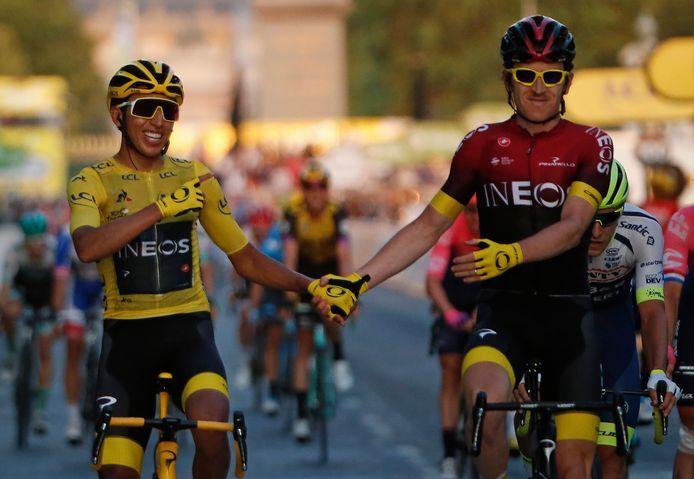 2019, Parijs: Egan Bernal wint de Tour en krijgt een felicitatie van oud-winnaar en ploeggenoot Geraint Thomas.
