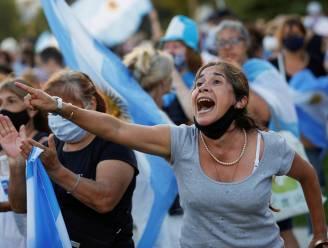 Duizenden Argentijnen demonstreren nadat prominenten voorrang krijgen bij vaccinatie