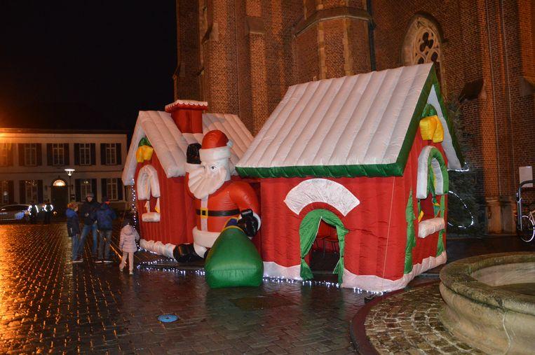 Ook een huis van de kerstman was opgesteld op het Sint-Goriksplein