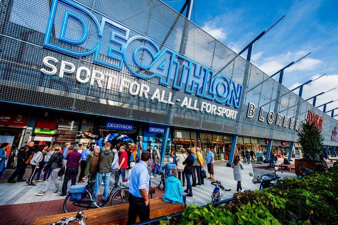 In winkelcentrum Alexandrium in Rotterdam is ook een filiaal van Decathlon gevestigd.