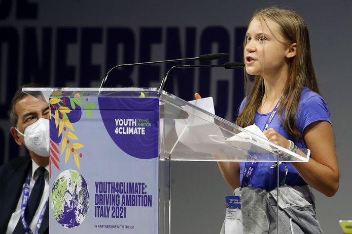 De Zweedse klimaatactiviste Greta Thunberg tijdens haar bevlogen speech op de conferentie 'Youth4climate: driving ambition Italy 2021' in Milaan.