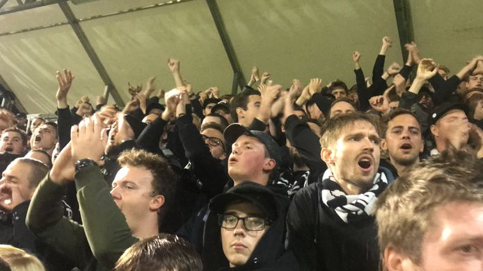 Supporters van Eendracht Aalst.