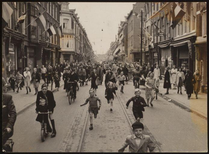 Na research in Amsterdam, Rotterdam, Groningen en Arnhem blijkt dat deze persfoto is gemaakt in de Piet Heinstraat in Den Haag.