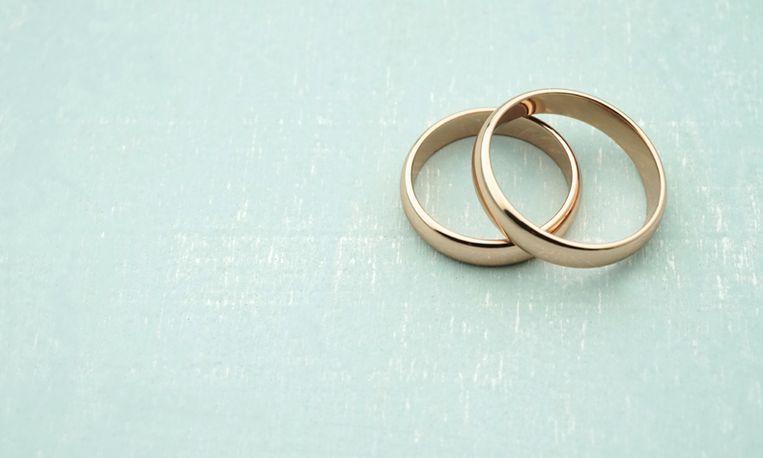 Ring overleden man na 46 jaar terug bij weduwe