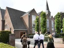 Kerkdienst in Staphorst: Minder bezoekers, minder zingen en geen mondkapjesplicht
