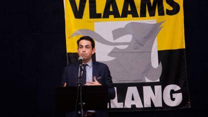 Vlaams Belang voorzitter Tom Van Grieken te gast in bomvolle Poort