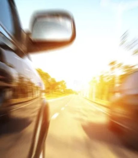 17-jarige wegpiraat zonder rijbewijs vlucht met 200 km/u voor politie