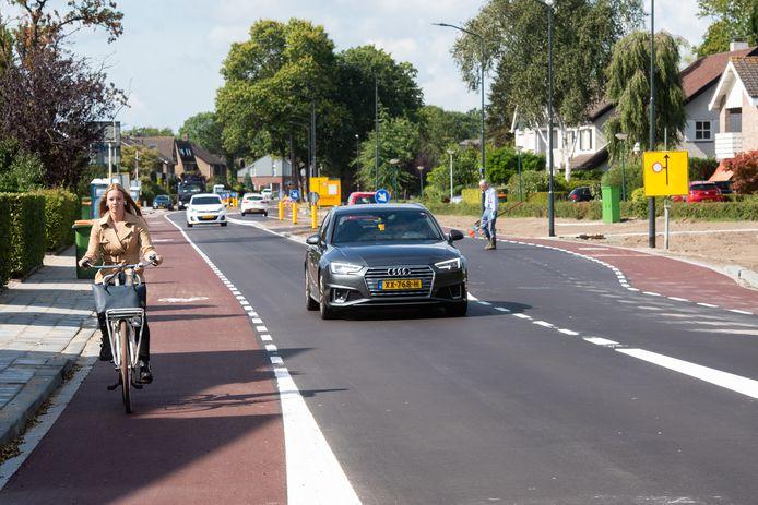 Prinsenbeek - Pix4Profs/René Schotanus. De opgeknapte weg Velsgoed is opgeleverd.