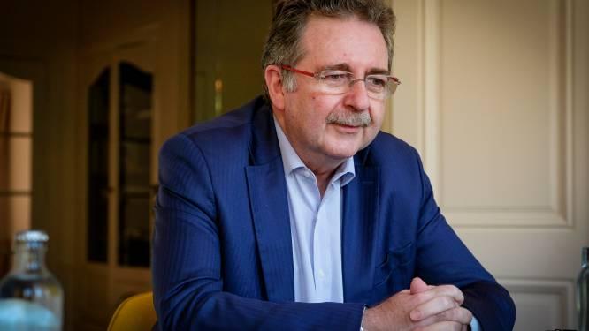 Brussels minister-president Vervoort pleit voor debat over verplichte vaccinatie