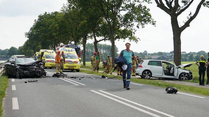 Een zwaar ongeluk op de N371 bij Dieverbrug aan het eind van de middag.