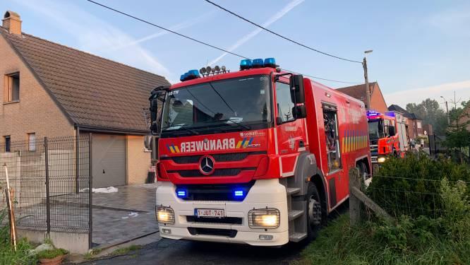 """Woning onbewoonbaar na zware keukenbrand: """"Rookmelder heeft leven van bewoner gered"""""""