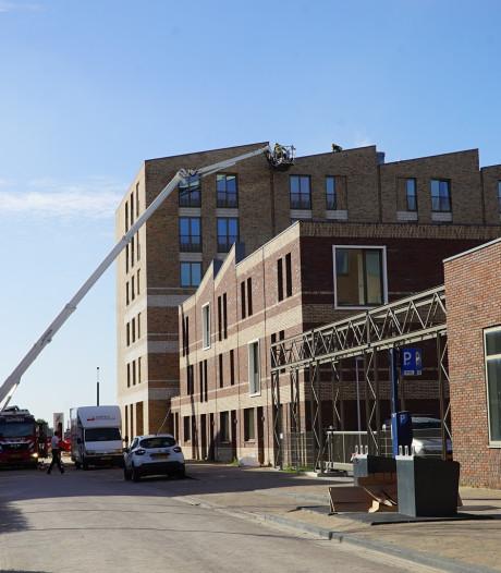 Brand in Zutphens wooncomplex onder controle, gebouw ontruimd