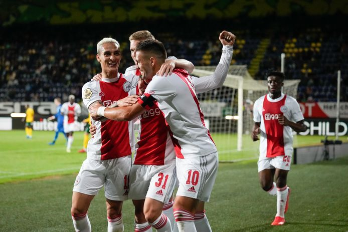 Ajax had dinsdag ook geen kind aan Fortuna Sittard. Nicolas Tagliafico bepaalde de eindstand op 0-5.