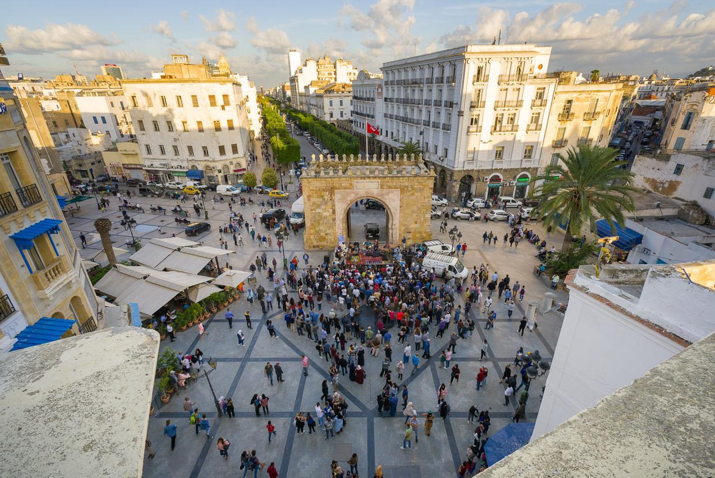 Place de la Victoire aan de rand van de medina tijdens een concert van Amir ElSaffar. Beeld Dream City