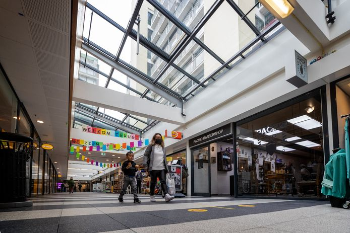 Winkelcentrum Meerzicht heeft volgens aanwezige ondernemers een opfrisbeurt nodig.