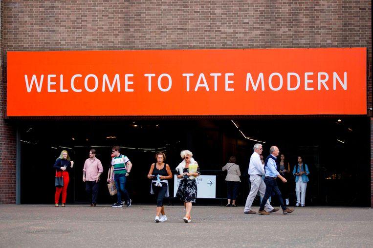 Het Tate Modern in Londen. Op 2 augustus vervalt de quarantaineplicht voor volledig gevaccineerden uit de EU en een aantal andere landen. Beeld AFP