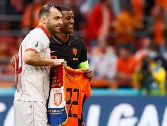 Knappe geste van Nederland: Oranje-shirt voor Goran Pandev, die bij vervanging ook erehaag krijgt