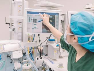 """Ervaren verpleegkundige geeft raad aan starters: """"Niemand ververst graag een pamper, maar dat is slechts een klein stukje van je werk"""""""