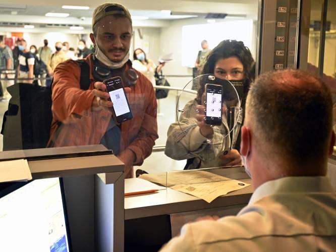 """Strenger toezicht op terugkerende reizigers, zowel op de weg als op luchthaven: """"Hoe meer controles, hoe groter de kans dat mensen hun PLF invullen"""""""
