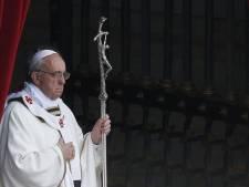 Messe du pape avec des milliers de membres des confréries