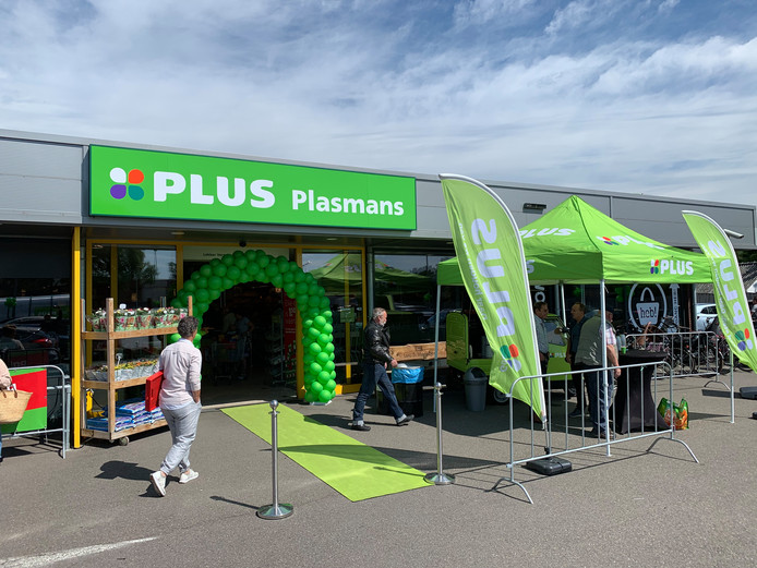 De heropening van de Plus in Diessen zorgde vrijdag meteen voor grote drukte.