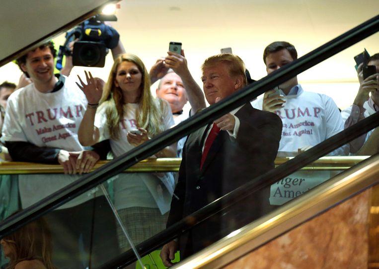 Donald Trump op de roltrap in de Trump Tower, om zijn kandidatuur voor het presidentschap aan te kondigen.  Beeld REUTERS